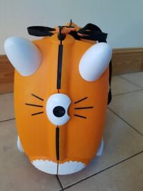 Kids Tipu Trunki suitcase in great condition