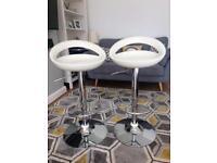 2 White Bar Stools / Breakfast stools / kitchen