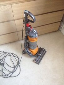 Dyson DC24 multifloor , working , no accessories