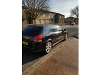 Vauxhall Signum 2.0L Black 2004 (54) fair condition inside and out very nice car worth a look.