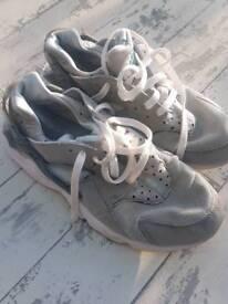 Nike Air Huaraches size 7