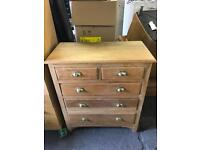 Very nice vintage solid chest of drawers can deliver