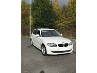 BMW 1 Series, 2009, 3 Door, White - LOTS OF EXTRAS: TINTED WINDOWS/PARKING SENSORS/IPOD CONNECTION
