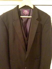 Taylor & Wright 42L suit