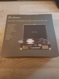 Goodmans portable turntable