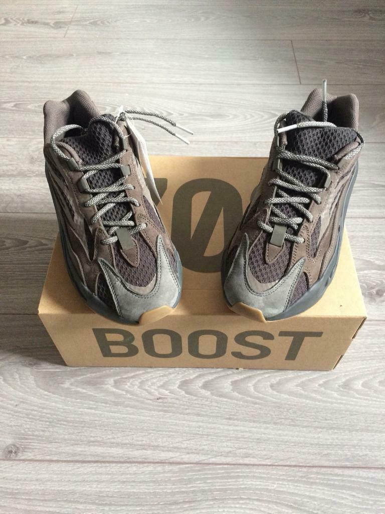 a013f648bf928 Adidas Yeezy Boost 700 v2  Geode  UK Size 8