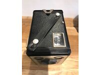 BROWNIE SIX-20 MODEL D BOX CAMERA