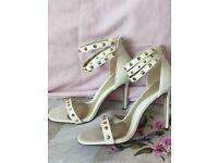 High heels never worn size 6