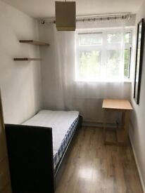 SINGLE ROOM AVAILABLE NOW!! MUST SEE! ZONE 2. ISLE OF DOGS, DOCKLANDS, CROSSHARBOUR, CANARY WHARF