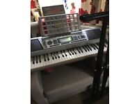 Gear4Music full size keyboard with stand