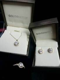 Goldsmiths matching set Gold necklace, earrings & ring