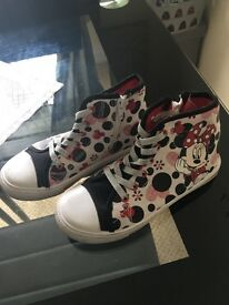 Girls Minnie Mouse ankle boots size 13