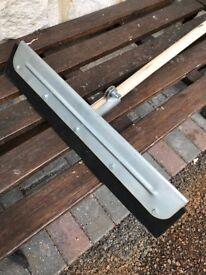 Durable rubber floor squeegee