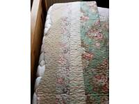 Bed spread padded King size
