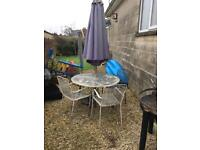 Metal Garden furniture with x4 chairs