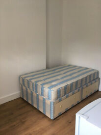 009M - BOUNDS GREEN - DOUBLE STUDIO FLAT, SINGLE PERSON, FURNISHED, BILLS INCLUDED - £180 WEEK