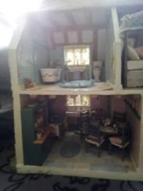 L@@k dolls house