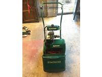 Qualcast - Classic Petrol 35s - Lawnmower