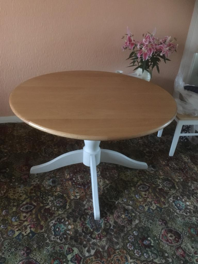 M&S extendable dining table. Pine & grey cost £699 new