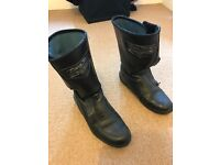 Women Motorcycle leather boots - Size 4 - Great condition