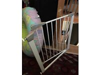 Lindam baby gate good condition