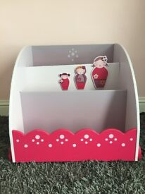 Childs book case on wheels