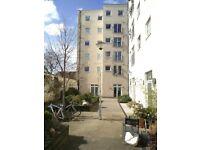 Entire Rooftop flat, Hackney London zone 2