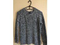 GAP sweater size 8, women cloth