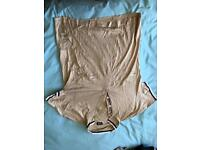 D&G Polo top gold size Large