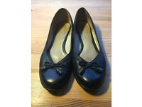 Size 6 ladies Clarks shoes