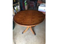 Round D-end reproduction yew dinning table and 6 chairs