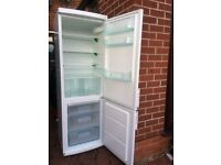FROST FREE ZANUSSI FRIDGE FREEZER GOOD WORKING CONDITION.