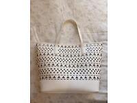 Miss Selfridge Large White Hand Bag
