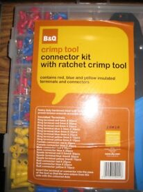 Connector kit with ratchet crimp tool.