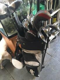 Dunlop golf set and bag