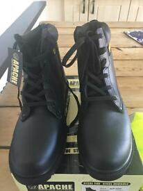 Work boots new size 13 pick up swinton