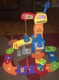 Vetch toot toot construction set