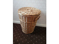 WICKER LOG BASKET OR LAUNDRY BASKET WITH LID Immaculate