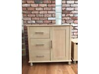 Mamas and Papas Modensa range chest of drawers and large toybox. Excellentcondition