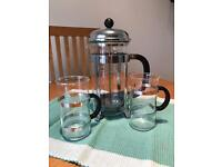 Bodum Caffitierre and 2 x coffee cups NEVER BEEN USED