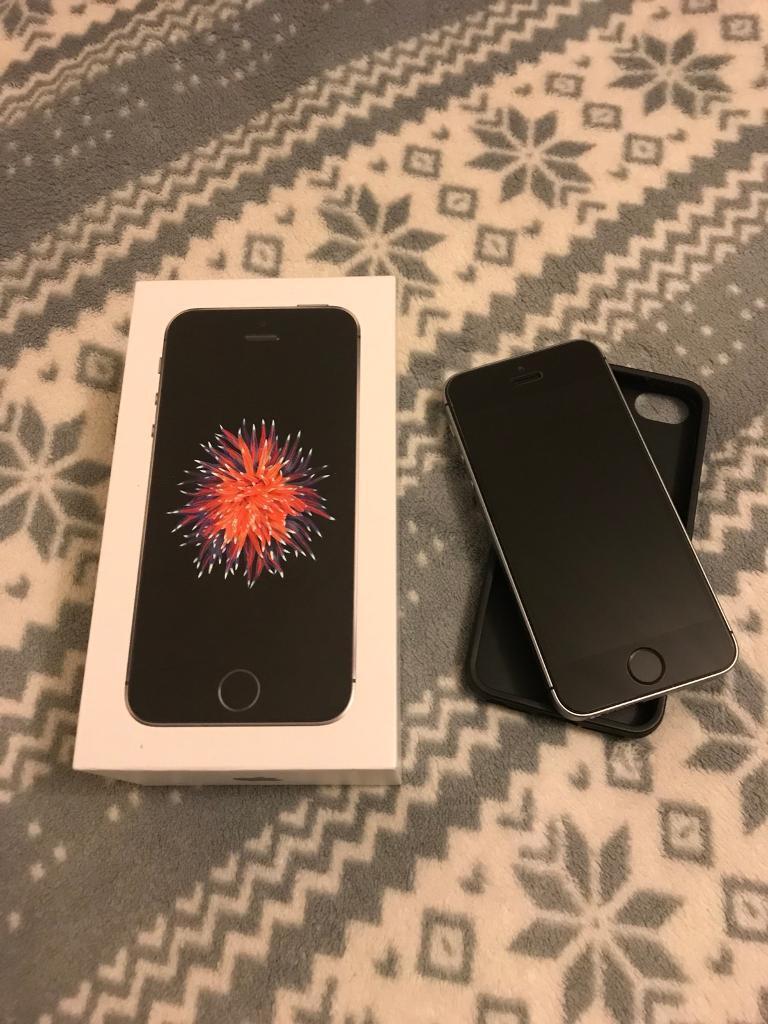 iPhone SE 16GB Space Grey UNLOCKED