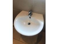Sink & chrome mixer tap (plug needed)