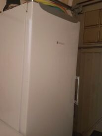 Free Standing hotpoint full lengh fridge