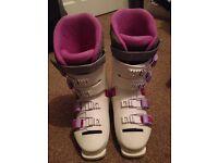 Womens size 6 Salomon Ski boots