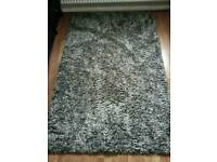 Rug two tone grey & black