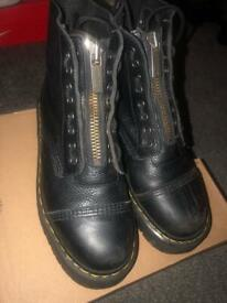 5a1f0caf734b Topshop Alfie Buckle Boots Size 7 Black Leather | in Camden Town ...