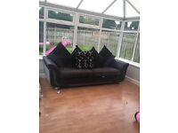 4 seater couch with cushions