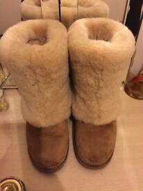 Genuine ugg boots size 4.5 hardly worn!