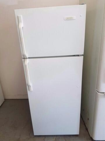 Frigidaire apartment size fridge WITH FREE DELIVERY AND ...