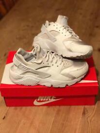 Nike triple white, size 7 hurache